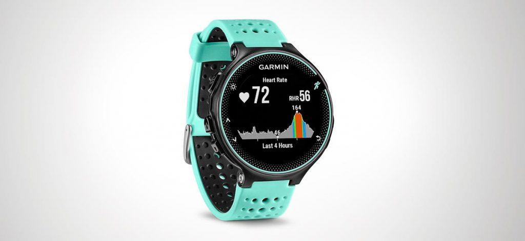Reloj de montaña y trekking